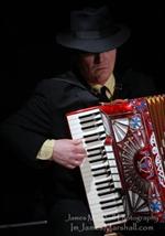 Music: Romano Viazzani on The Accordion