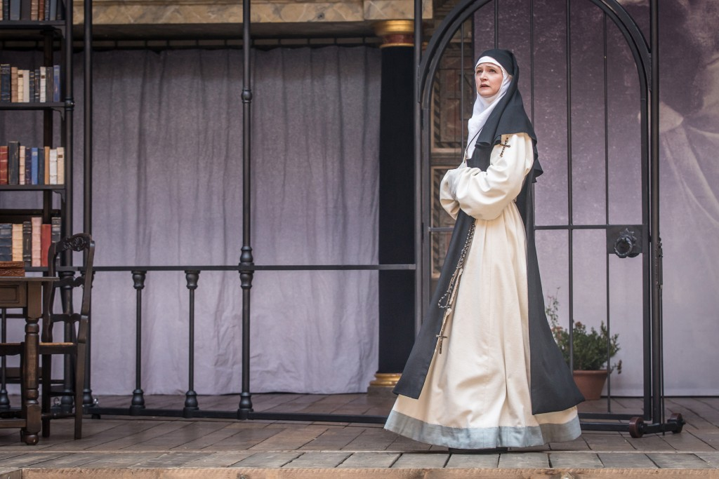 Naomi Frederick as Sor Juana. Photographer: Marc Brenner.