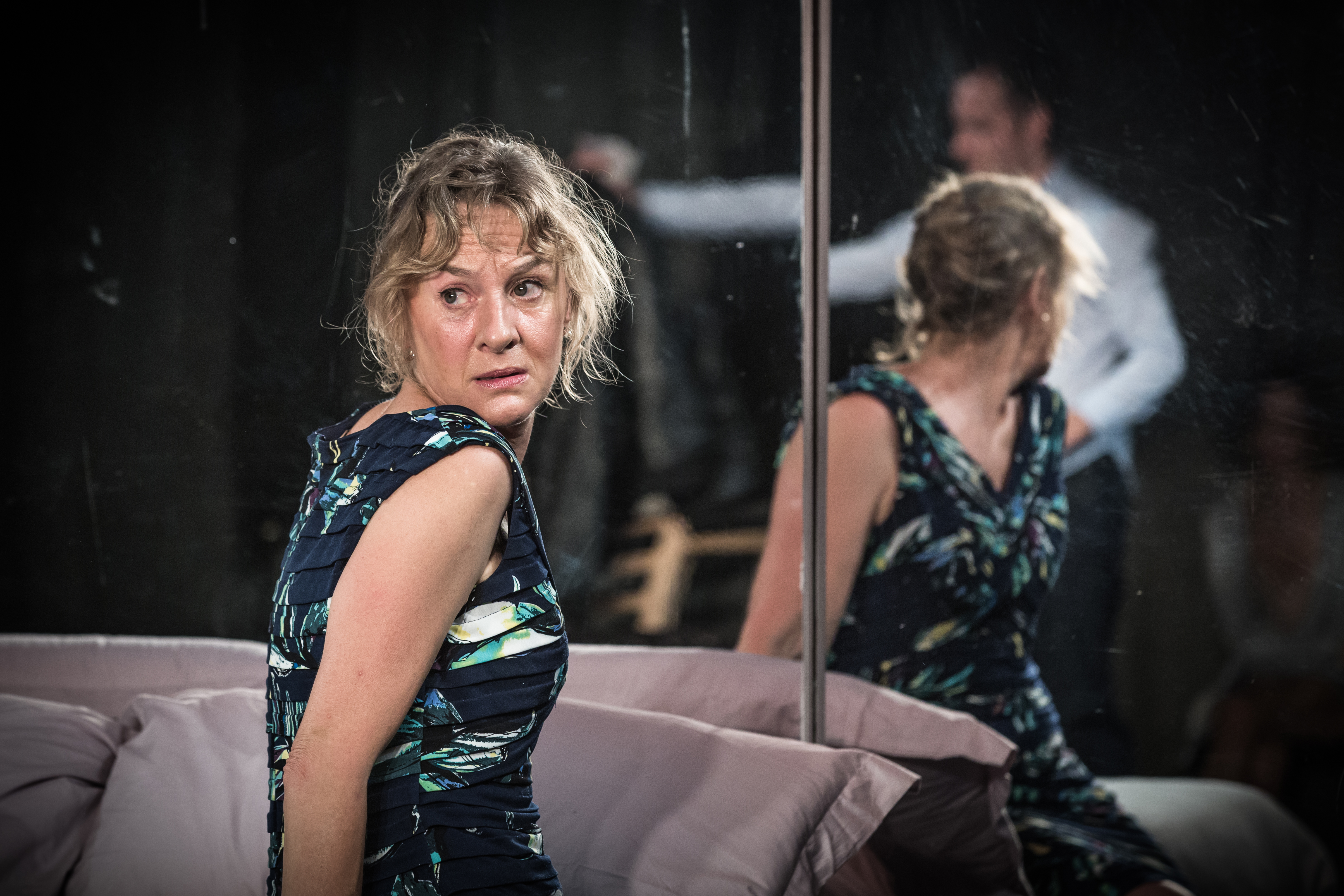 Unfaithful 4 Niamh Cusack Matthew Lewis Photo Marc Brenner