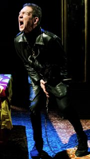 Richard III, Arcola Theatre. Review by Barbara Lewis.