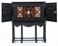 Cabinet belonging to John Evelyn-1000px.jpg