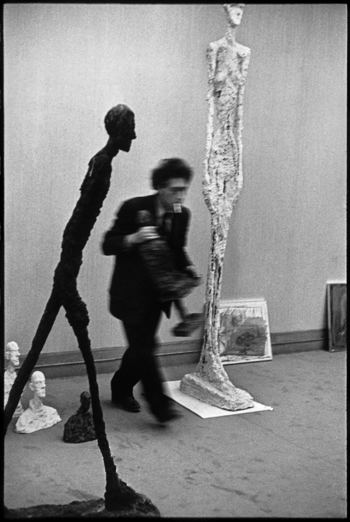 FRANCE. Paris. Maeght gallery. Swiss painter and sculptor Alberto GIACOMETTI. 1961.
