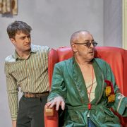 Alan Cumming (Hamm) and Daniel Radcliffe (Clov)_Endgame_The Old Vic_Photo by Manuel Harlan (3)