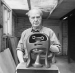 Copy of Portrait of Henry Moore with Helmet Head No. 2_LH281_Henry Moore Archive.