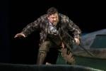 David Stout as Poacher The Cunning Little Vixen Photocredit Richard Hubert Smith 4633.